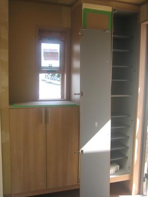 20110909A棟玄関
