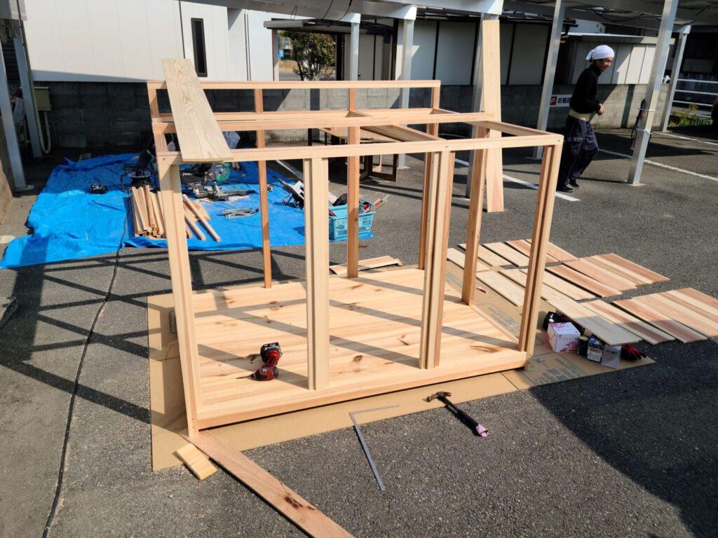 犬小屋作り